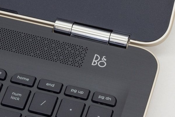 「B&O Play」のデュアルスピーカーを搭載