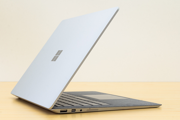 Surface Laptop Core i5モデル
