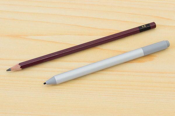 鉛筆との比較