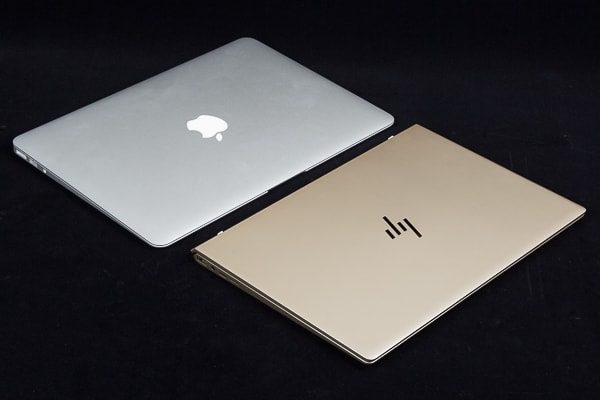 MacBookとHP Envy 13のデザイン