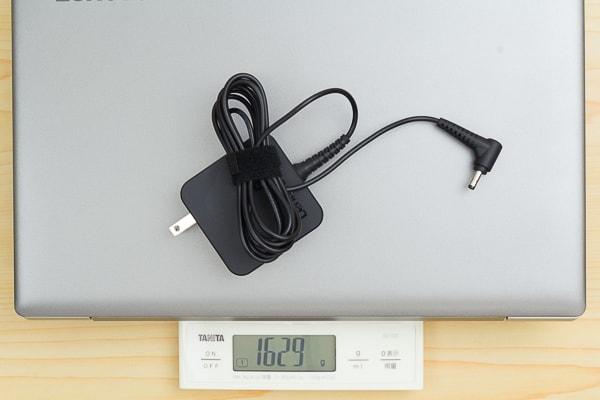 電源ケーブル込みの重さ