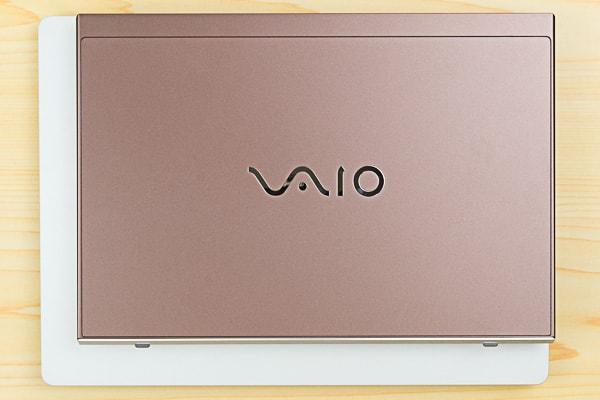Surface Laptopとのサイズ比較