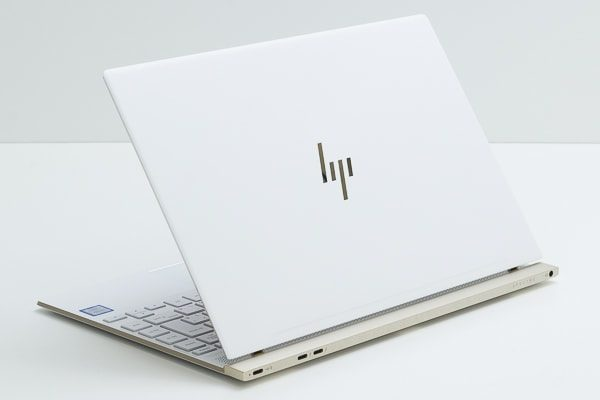 HP Spectre 13-af000の本体カラー