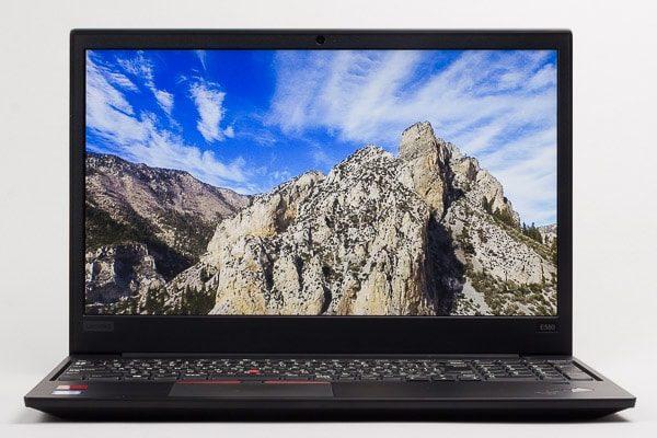 ThinkPad E580の液晶ディスプレイ