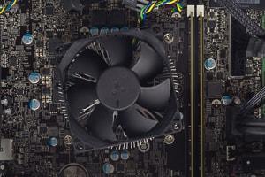 第8世代CPU搭載