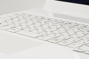静かでタイプ感のいいキーボード
