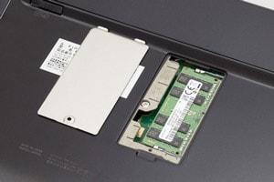 VGA端子やメモリー増設に対応
