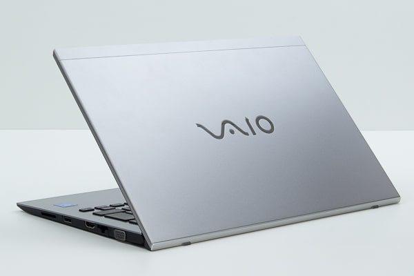 VAIO S11 シルバーの本体カラー