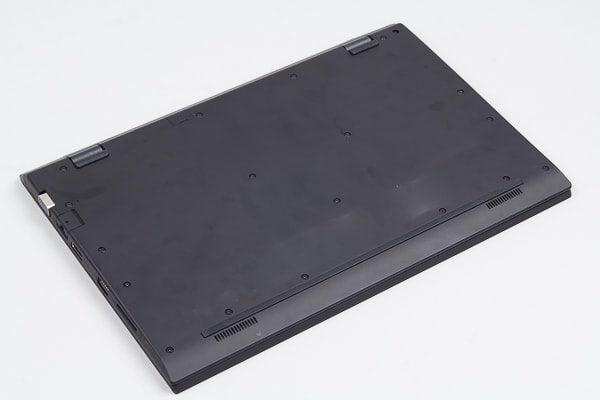 VAIO S13 底面部のデザイン