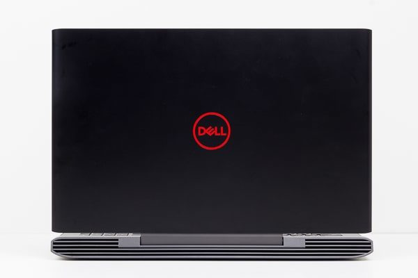 Dell G5 15 天板のデザイン