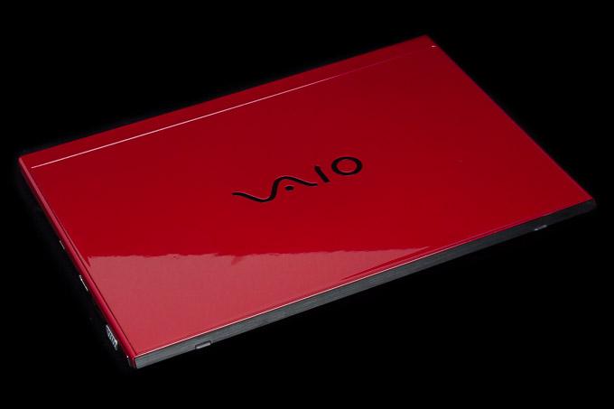 VAIO S11 | RED EDITION 天板の塗装