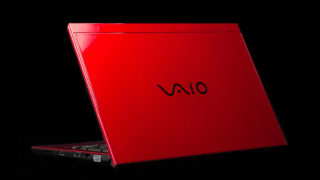 VAIO S11 | RED EDITION レビュー:圧倒的な存在感を見せつける深紅のモバイルノートPC