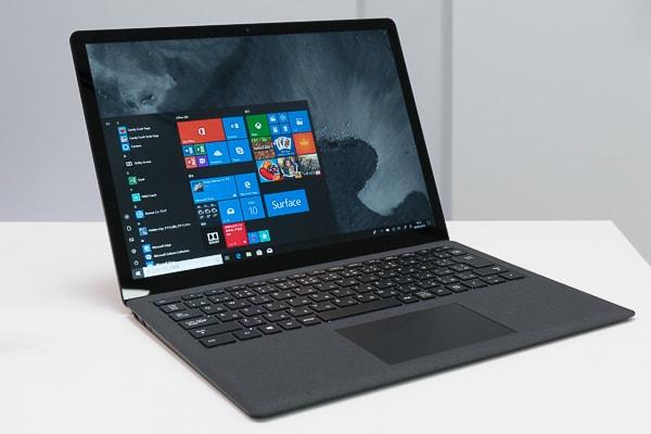 Surface Laptop 2 ブラックの本体カラー