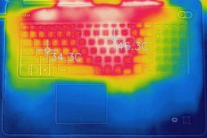 Dell G3 17 キーボード面の温度