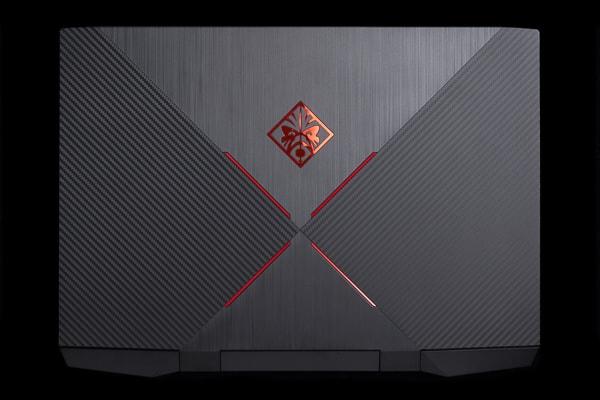 OMEN by HP 15 天板デザイン