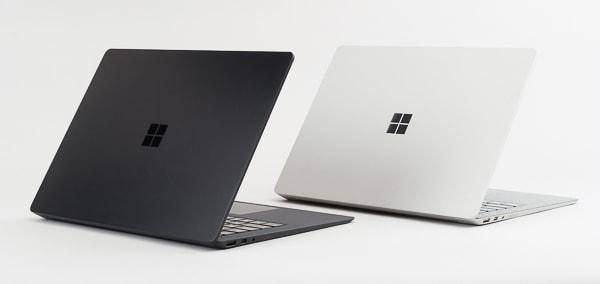 Surface Laptop 2 ブラックとプラチナ