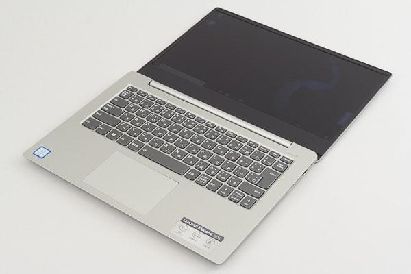 Ideapad 330(14) 液晶ディスプレイの最大角度
