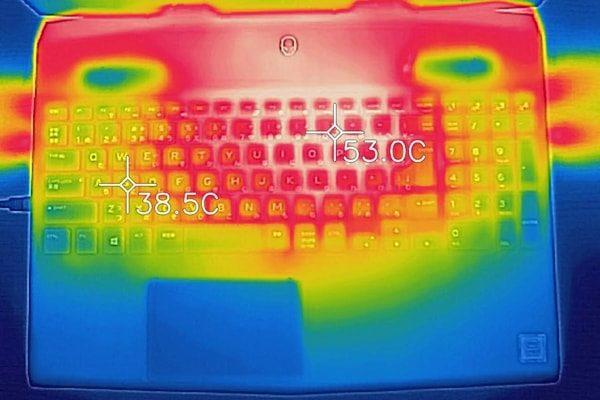 ALIENWARE M15 キーボード面の温度