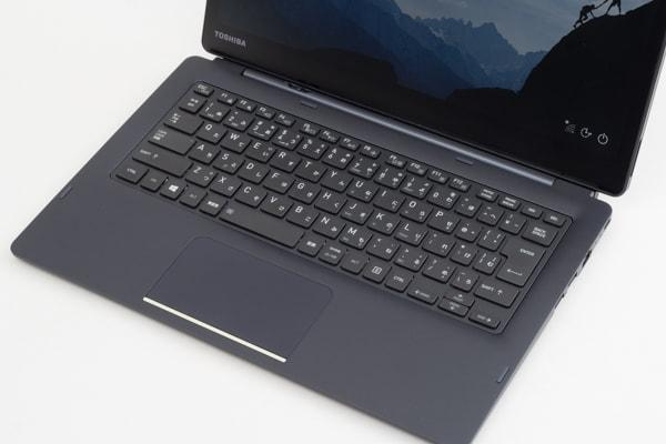 dynabook DZ83/J キーボード面