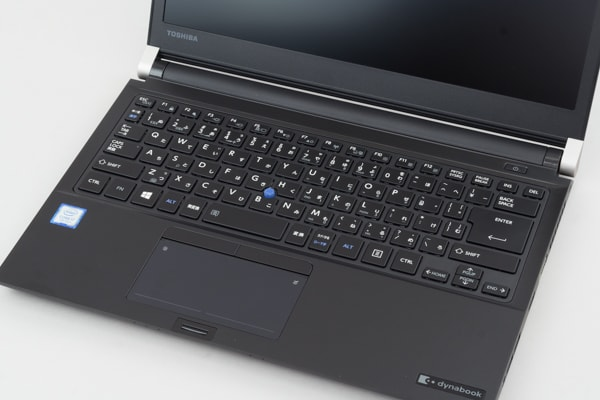 dynabook RZ83 キーボード面