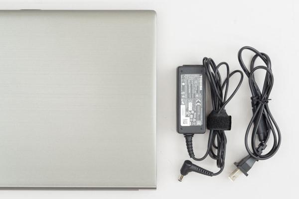dynabook RZ63 電源アダプター