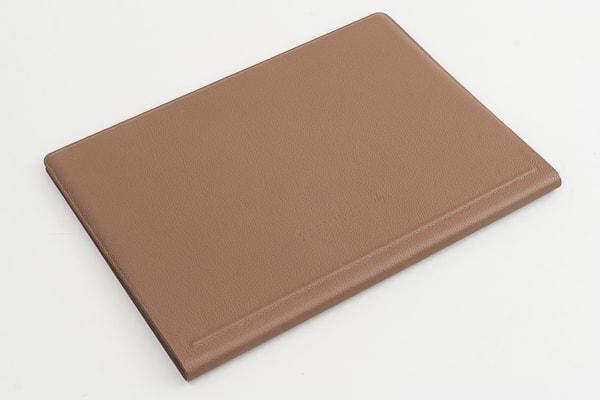HP Spectre Folio 13 底面部