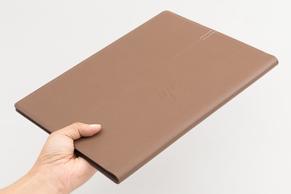 HP Spectre Folio 13 軽さ