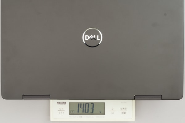 Inspiron 13 7000 2-in-1 重さ