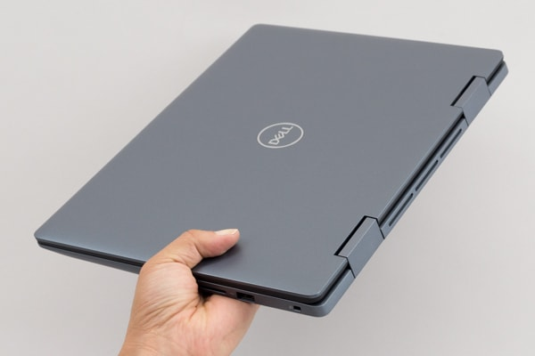 Inspiron 14 5000 2-in-1 軽さ