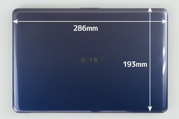 ASUS VivoBook W203MA 本体サイズ
