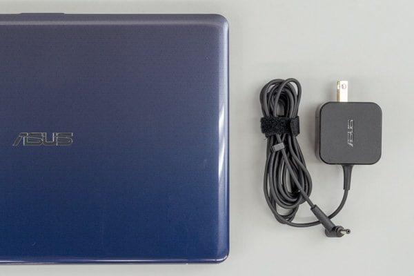 ASUS VivoBook W203MA 電源アダプター