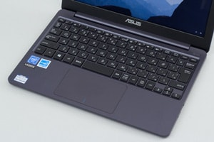 ASUS VivoBook W203MA 特徴 音がとても静か