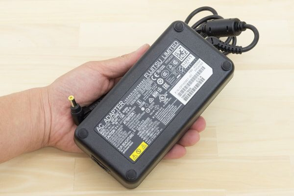 ESPRIMO FH-X/C3 電源アダプター
