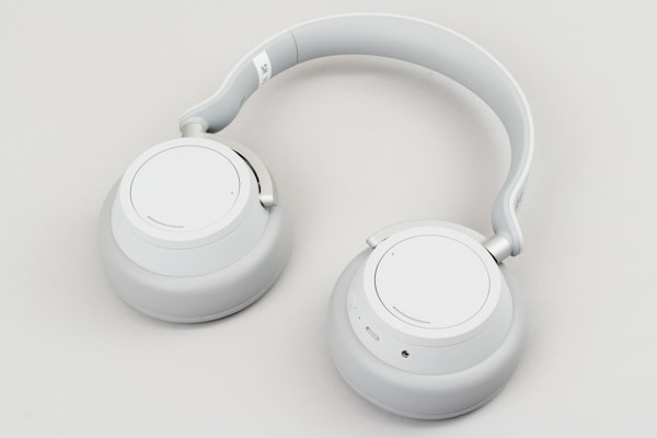 Surface Headphones ハウジング