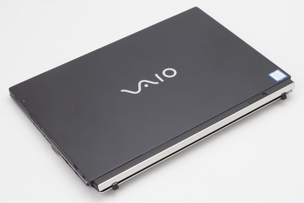 VAIO A12 デザイン