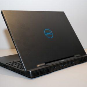 Dell G5 15 5590 通常版の本体カラー
