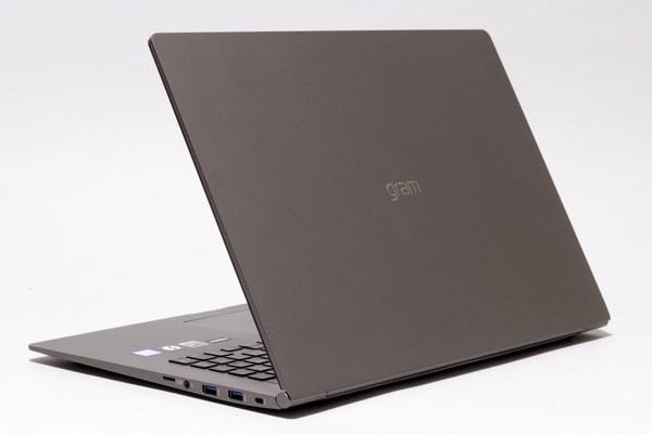 LG gram 17 (17Z990) 本体デザイン
