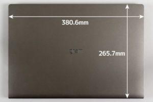 LG gram 17 (17Z990) 本体サイズ