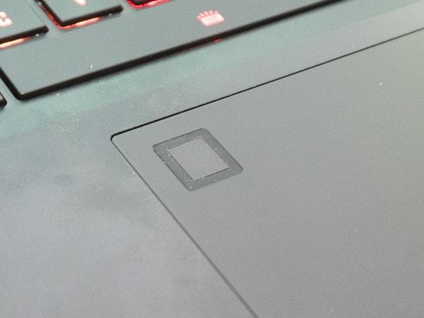 AERO 15 OLED 指紋センサー