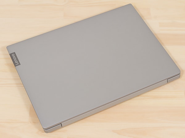 IdeaPad S340 (14, AMD) 天板