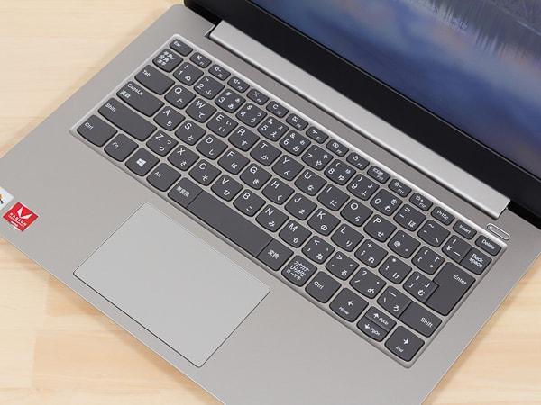 IdeaPad S340 (14, AMD) キーボード面