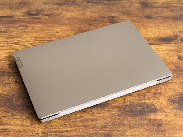 IdeaPad S540 (15) サイズと重さ