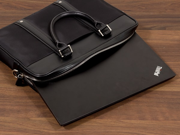 ThinkPad E595 サイズ