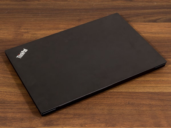 ThinkPad E595 天板