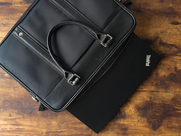 ThinkPad T490s 持ち歩き