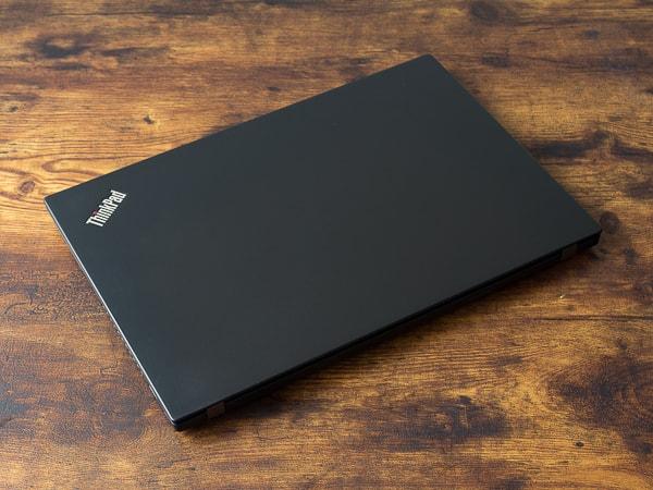 ThinkPad T490s 天板