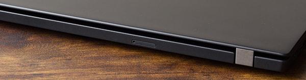 ThinkPad T490s 背面