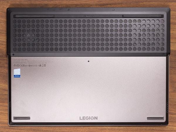Legion Y740 (17) 底面部