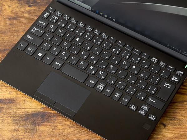 VAIO SX12 | ALL BLACK EDITION キーボード面