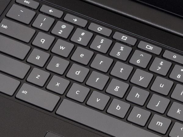 Lenovo Chromebook S330 タイプ感
